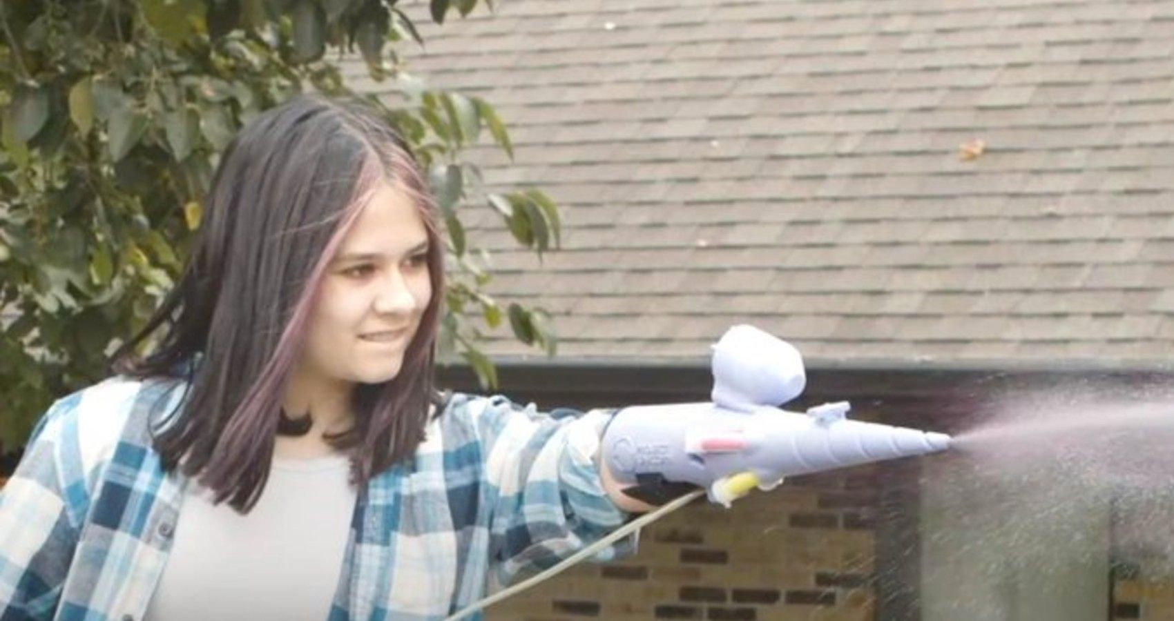 Teen Inventor Built Prosthetic Arm That Shoots Glitter | Moms.com